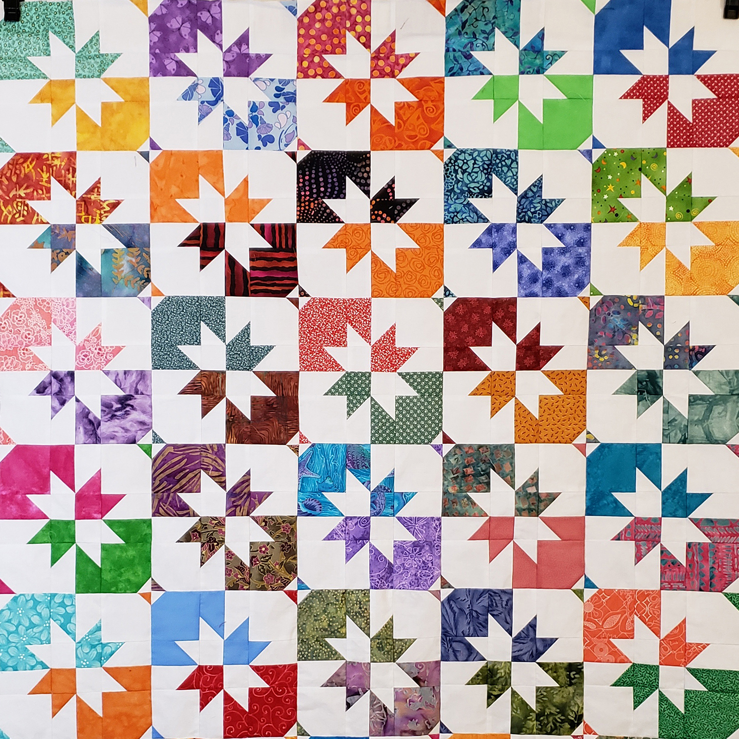 Standard Disappearing Hourglass quilt